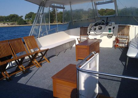 top deck boat